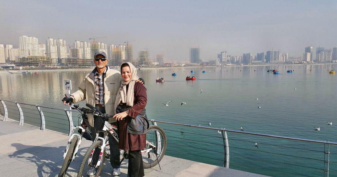 دوچرخه سواری اطراف دریاچه چیتگر