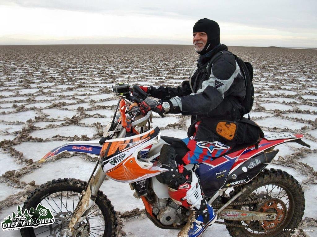 آفرود با موتور در دریاچه زیبای نمک مرنجاب - ۱۸ دیماه ۱۳۹۴