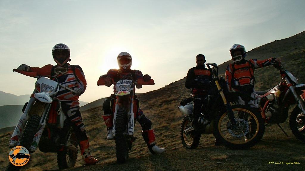 آفرود با موتور در منطقه وردیج همراه با گروه فیلمبرداری شبکه تهران