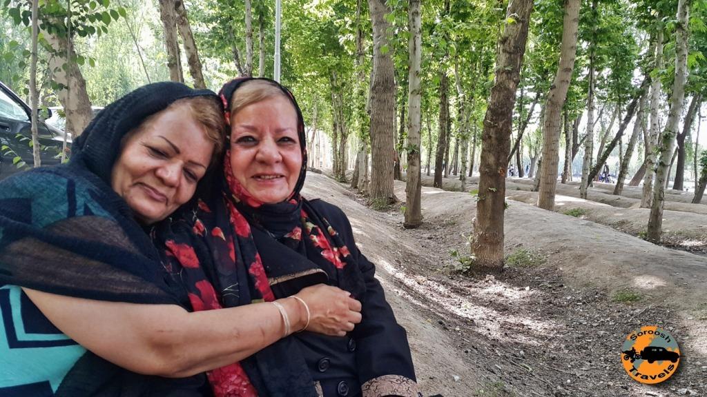 پارک میرزا کوچک خان - زاینده رود - اصفهان : بهار ۱۳۹۵