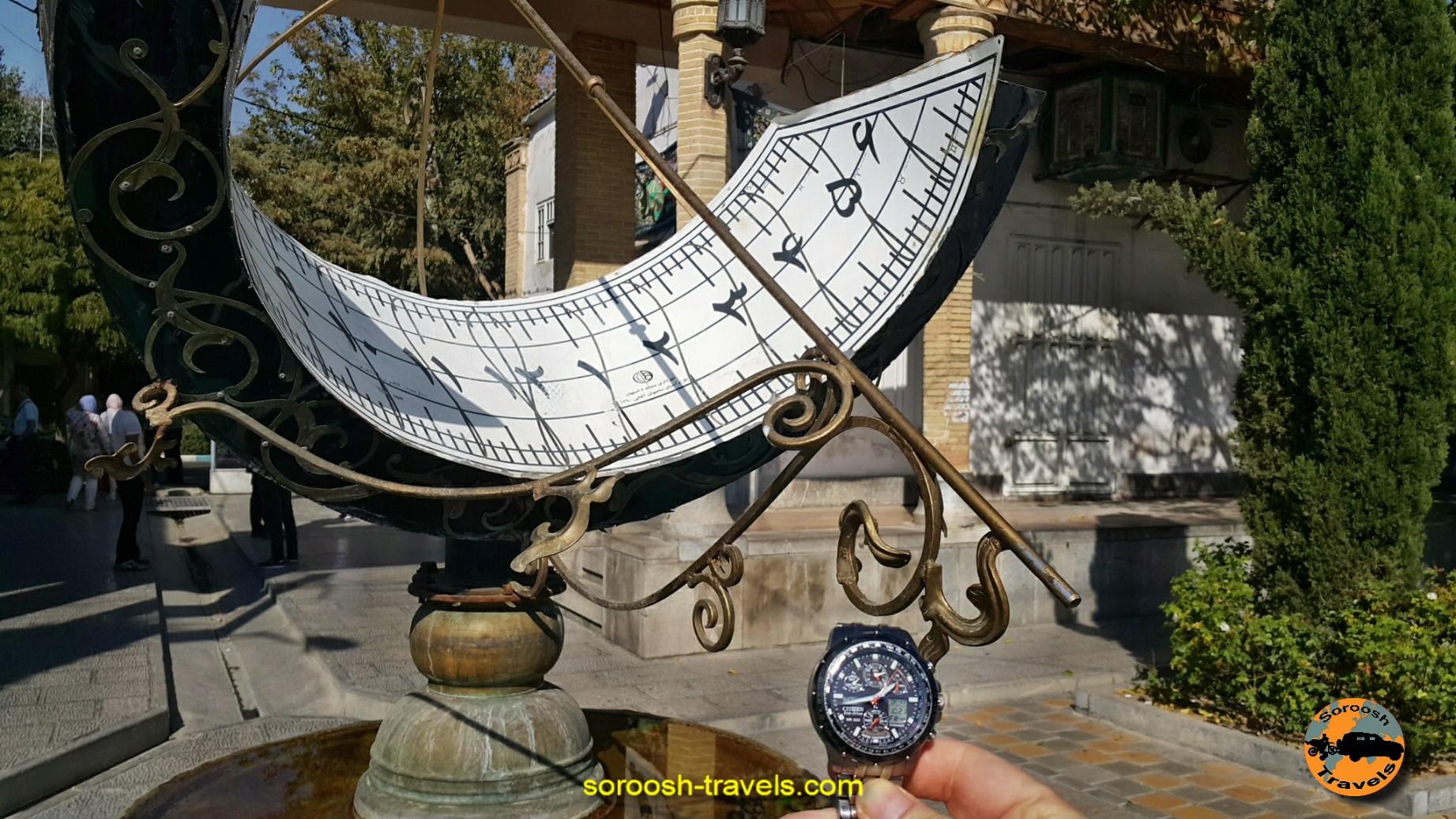 ساعت آفتابی در موزه کلیسای وانک - اصفهان ، مهرماه 1395