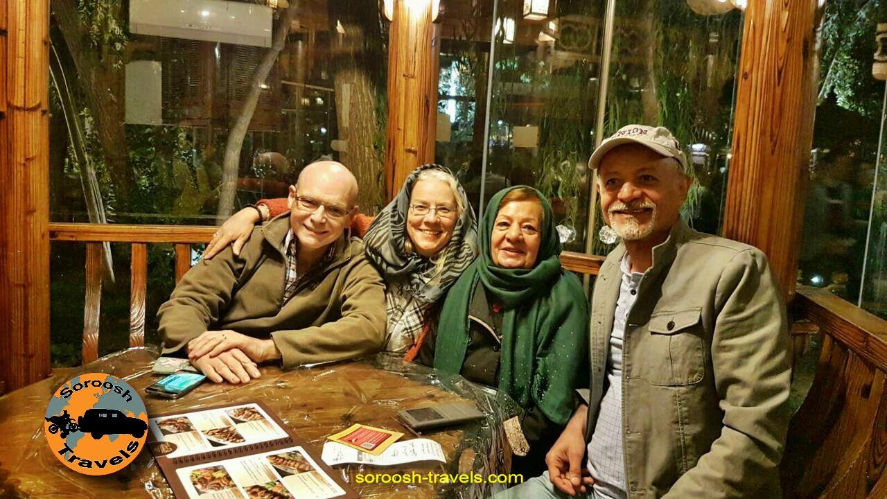 رستوران شب نشین در اصفهان ، مهرماه 1395