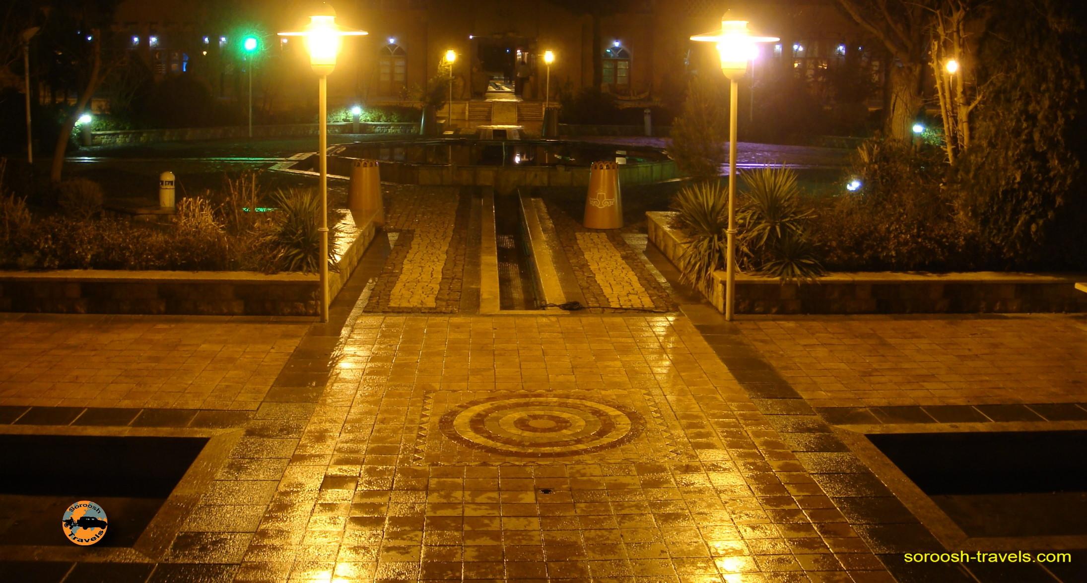 esfahan-koohrang-googad-maranjaab-tehran-winter-1388-20