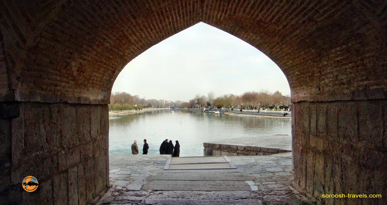 esfahan-koohrang-googad-maranjaab-tehran-winter-1388-4
