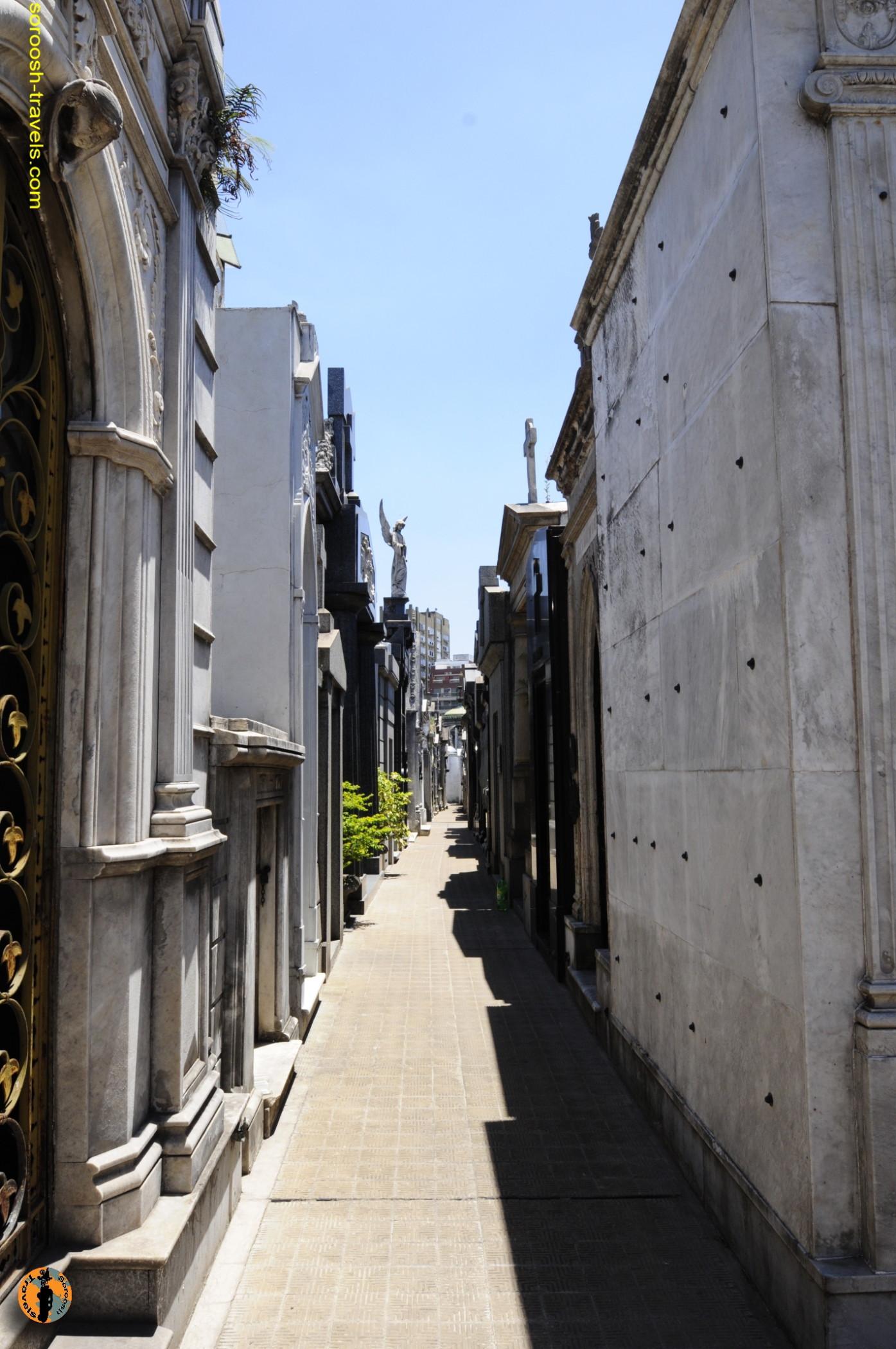 قبرستان معروف بوینوس آیرس - آذر 1389