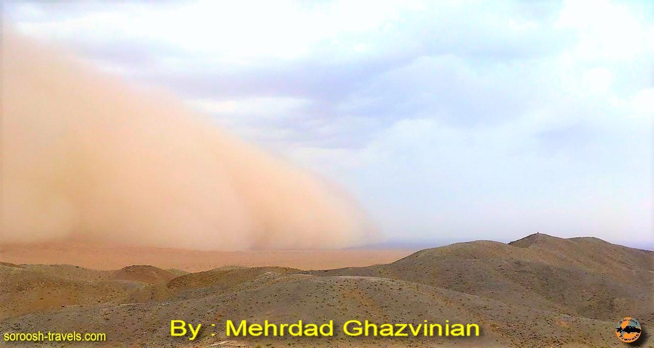 توفانی عجیب در ریگ جن