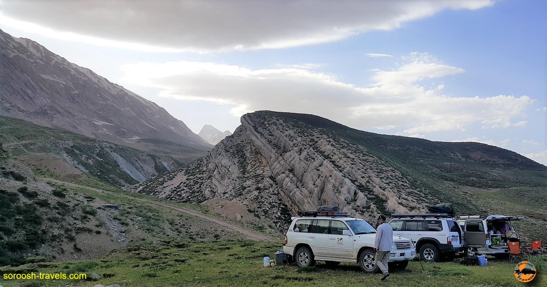 منطقه کوهرنگ در کوههای عظیم زاگرس - خرداد ۱۳۹۶