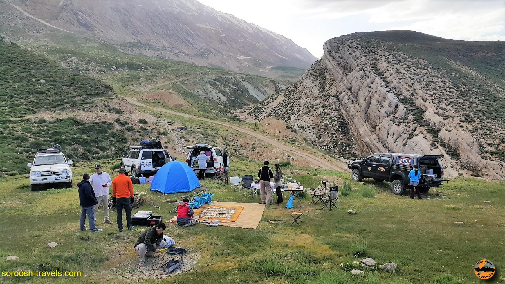 گمپ در منطقه کوهرنگ در کوههای عظیم زاگرس - خرداد ۱۳۹۶