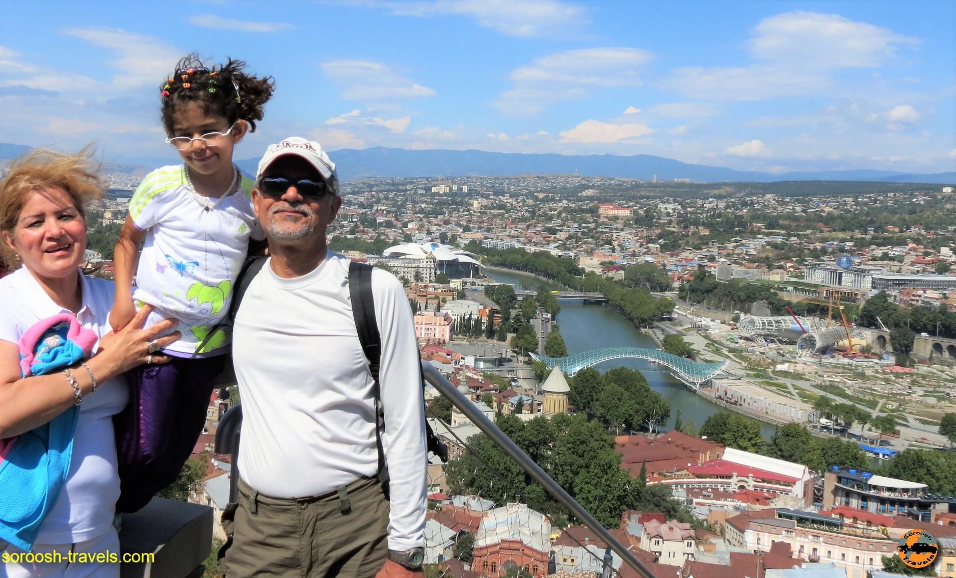 سفر با اتوموبیل به آذربایجان و گرجستان : تفلیس – تابستان ۱۳۹۱