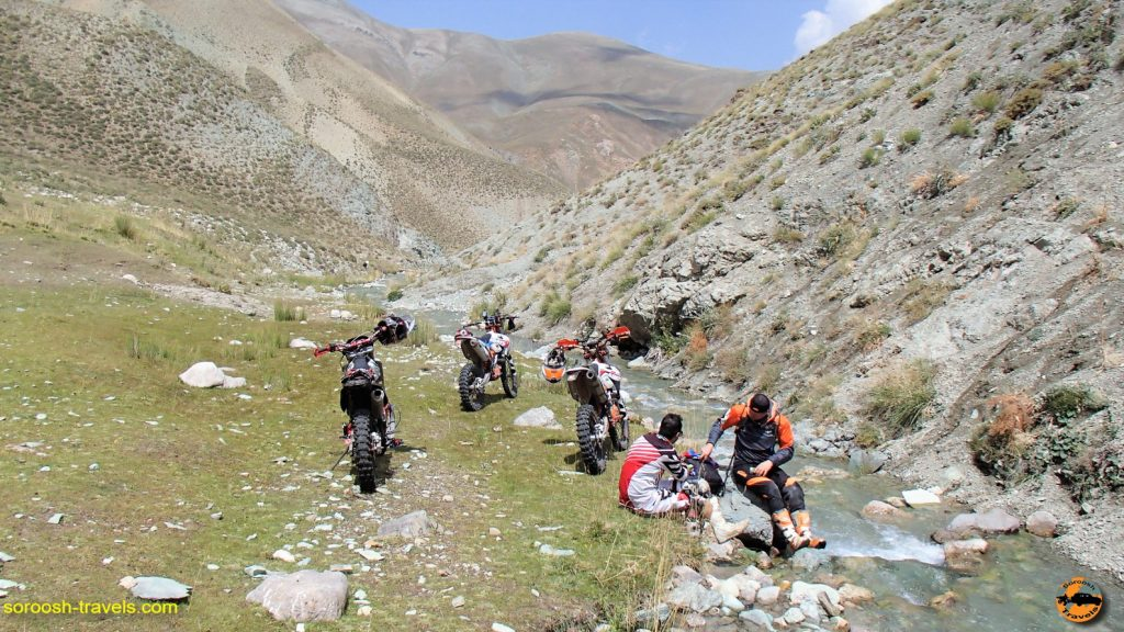 آفرود با موتور در مسیر دیزین ، دشت لار و بلده – تابستان ۱۳۹۶