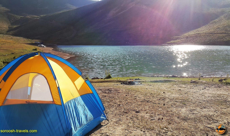 کمپ زدن کنار دریاچه لزور - مرداد ۱۳۹۶