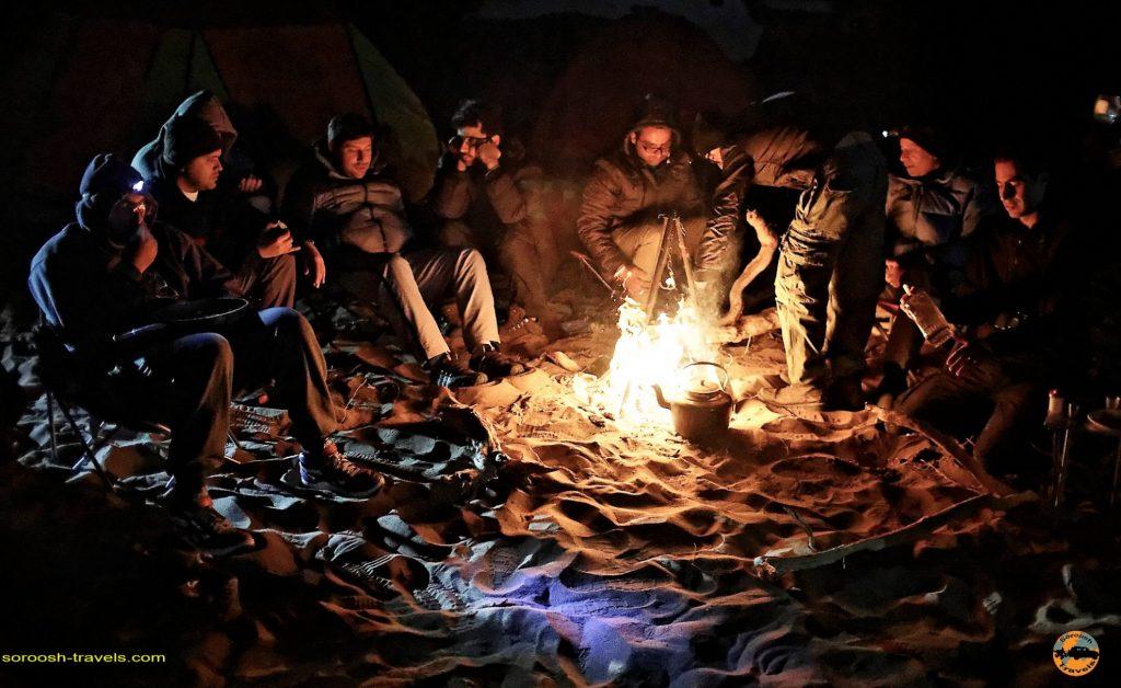 آتش در کویر : پاییز 1393