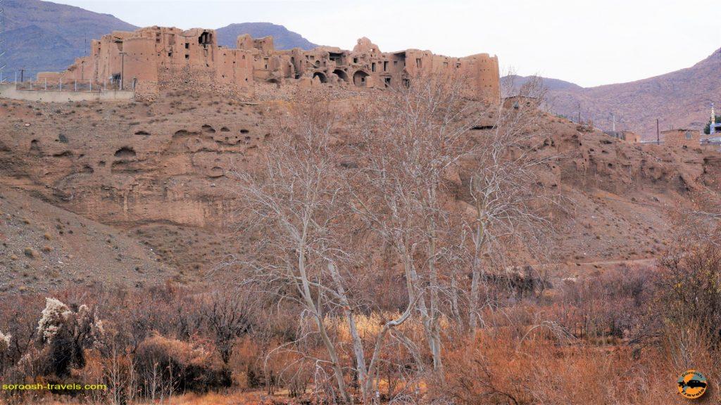 در مسیر روستای شگفت انگیز ابیانه - پاییز ۱۳۹۳