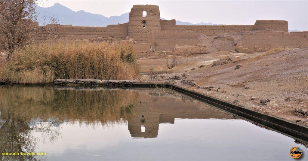 قلعه کرشاهی و رشته کوه یخاب – پاییز ۱۳۹۳