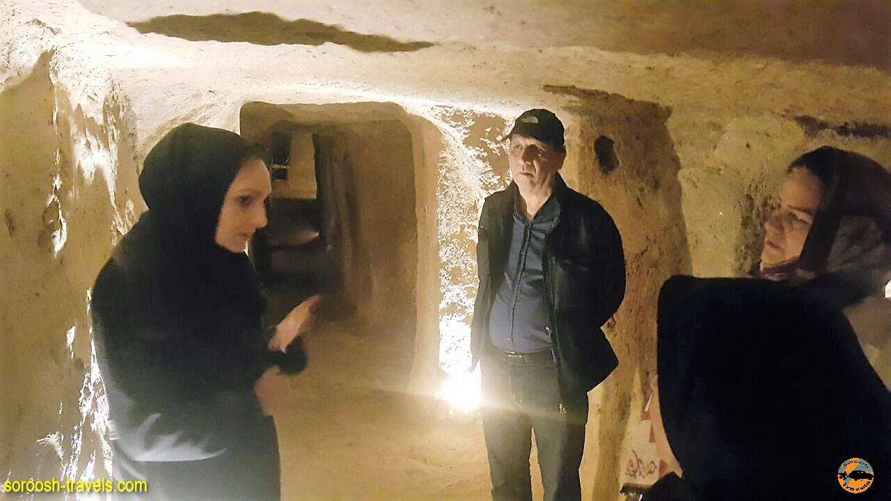 پناهگاه زیر زمین در شهر زیر زمینی نوش آباد - پاییز 1396