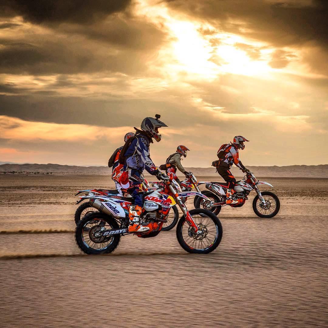 Motorbike tours in Iran - Rig e Jen desert