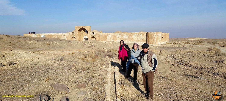 کاروانسرای قصر بهرام ، کویر مرکزی ایران – زمستان ۱۳۹۶