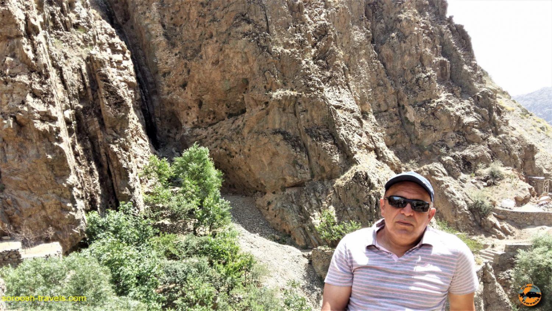 رضا بانکی در روستای رندان، شمال غربی تهران - تابستان ۱۳۹۴