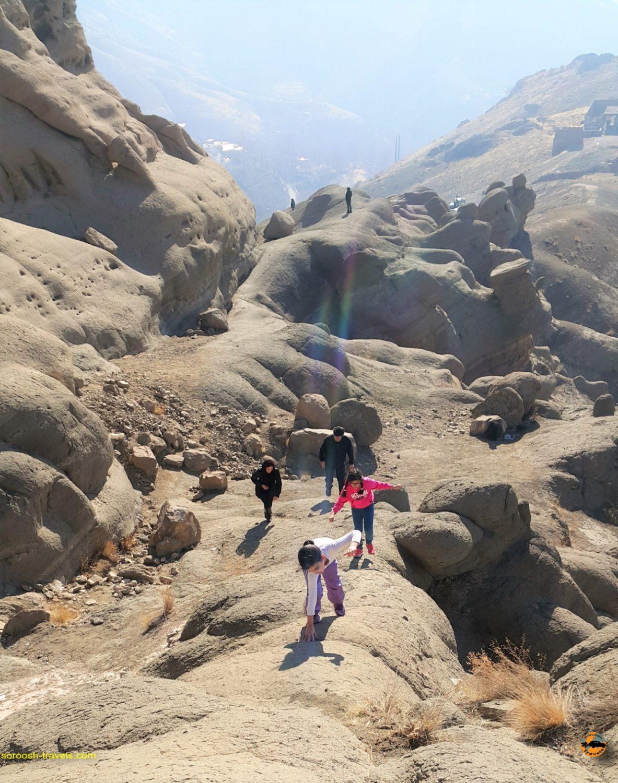 کوهستان صخره ای عجیب وردیج ، شمال غربی تهران - زمستان ۱۳۹۶