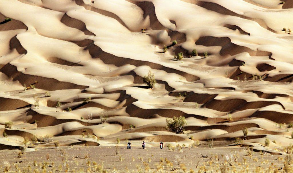 Motorbike tours in Iran - Lut desert