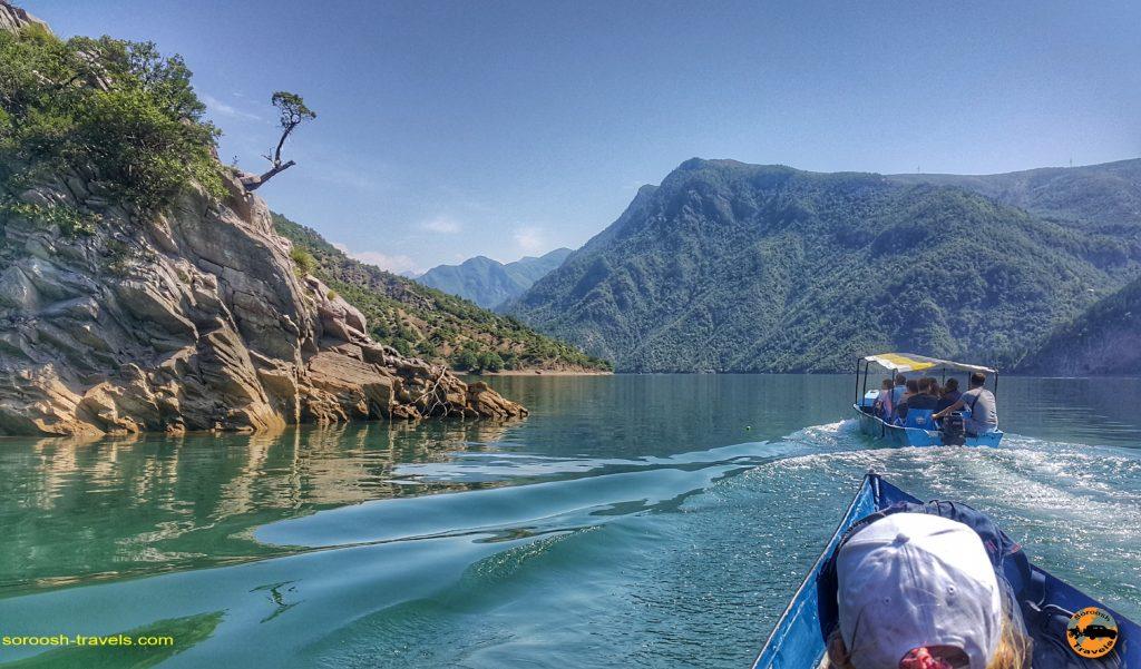 دریاچه کومانی Komani در کشور آلبانی – ۱۰ تیر ۱۳۹۷ – بخش اول