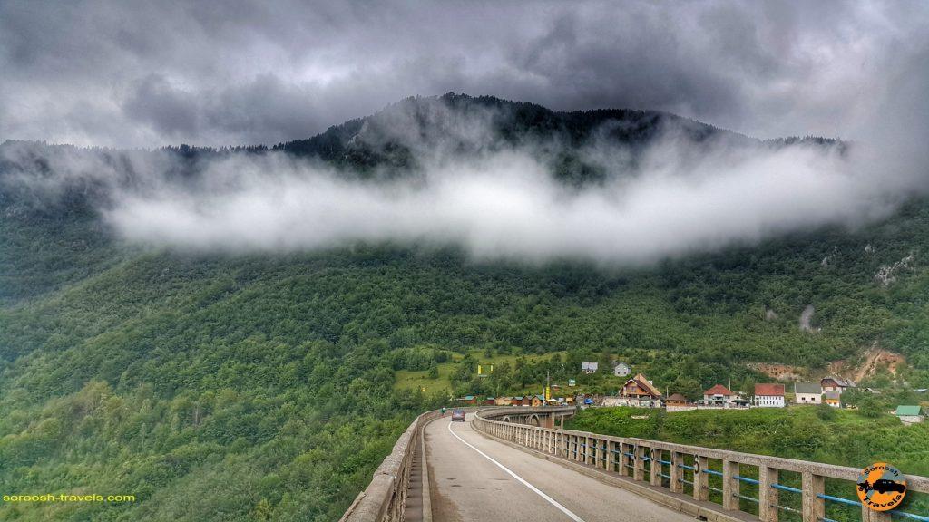 پل بسیار زیبا و معروف تارا بر روی رودخانه تارا در مونته نگرو