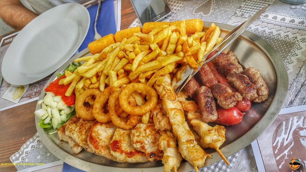 غذای سنتی در شهر ری یکا Rijeka در کرواسی