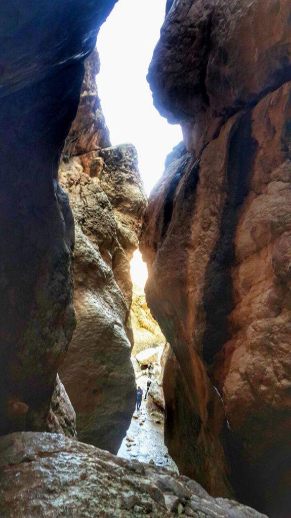 ورودی آبشار مجن Mojen