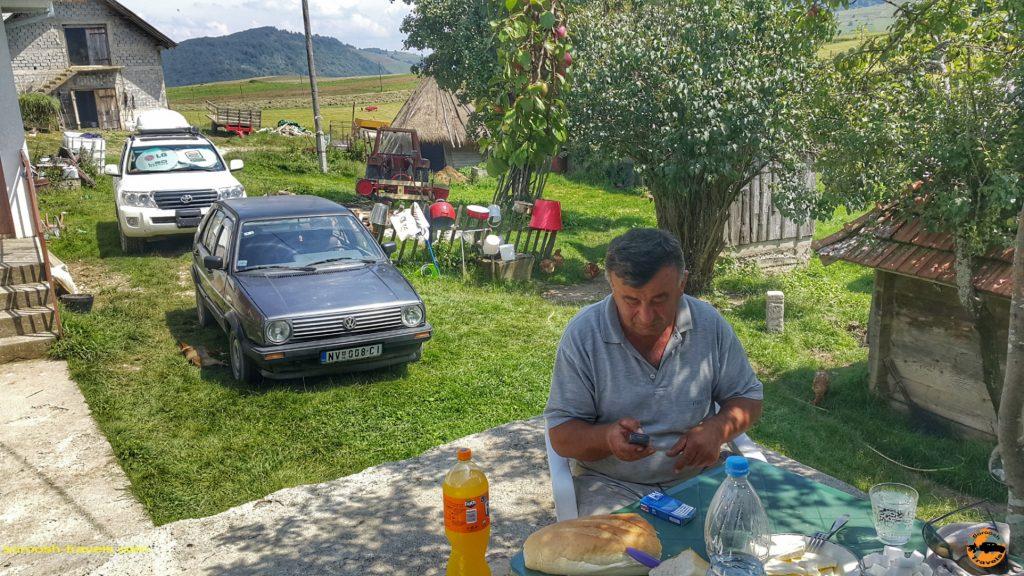 یک مرد روستایی صرب - صربستان - تابستان 1397