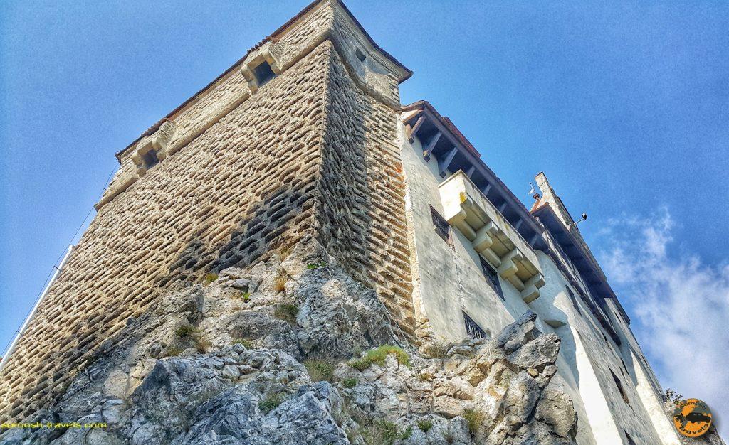 قلعه دراکولا در شهر بِرَن، رومانی - ۱۶ شهریور ۱۳۹۷