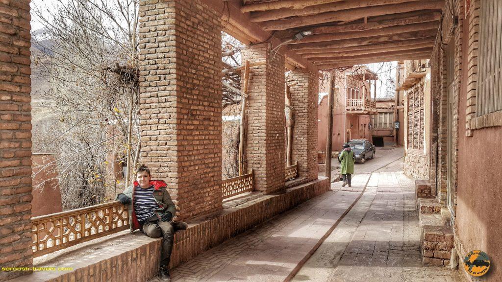 اکو کمپ متین آباد و روستای زیبا و تاریخی ابیانه – زمستان ۱۳۹۷