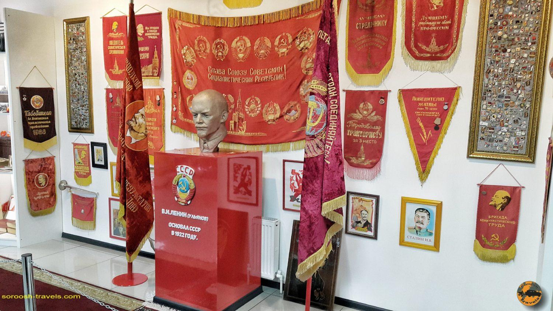 موزه اتوموبیل در کامنسک شاختینسکی - روسیه - تابستان 1398 2019