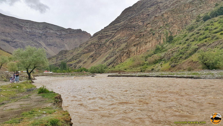 رودخانه حاشیه جاده چالوس - بهار 1399 2020