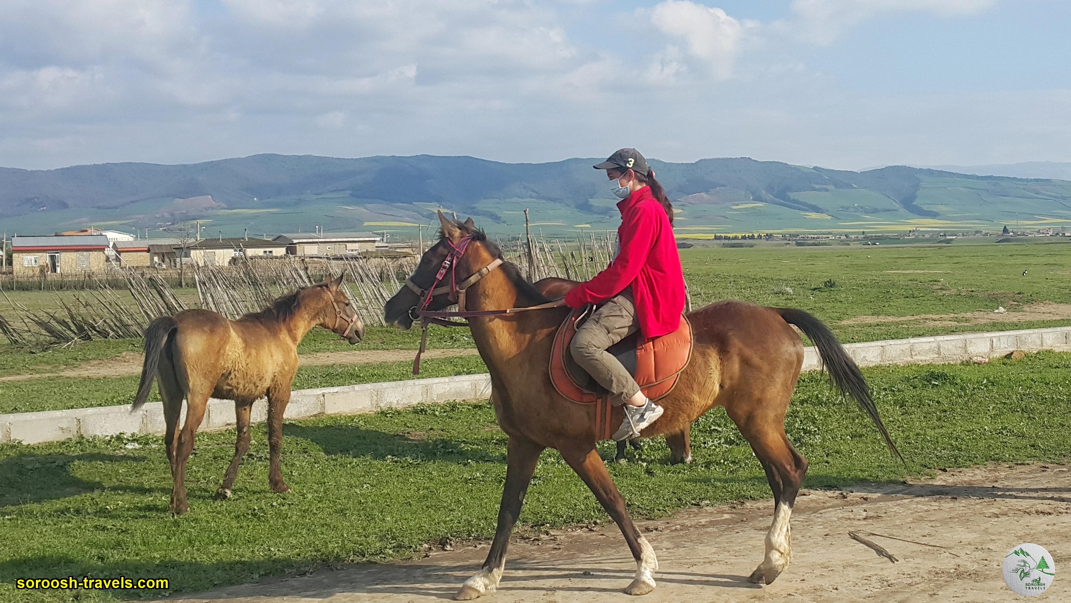 اسب سواری در روستای تمر قره قوزی - نوروز 1400