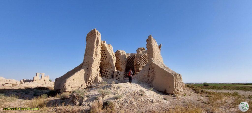 قلعه یا برج کبوتر در اطراف اصفهان - تابستان 1400 - 2021